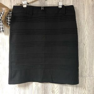 Dressbarn black pencil skirt size 16